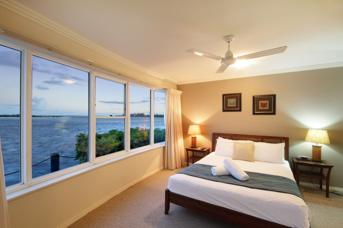 Waterfront 2 Bedroom Apartment 9, Master bedroom